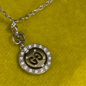 Gucci  necklace small  pendant with Diamonds